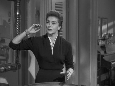 Nancy Kelly:  Sturm und Drang . . . und gin.