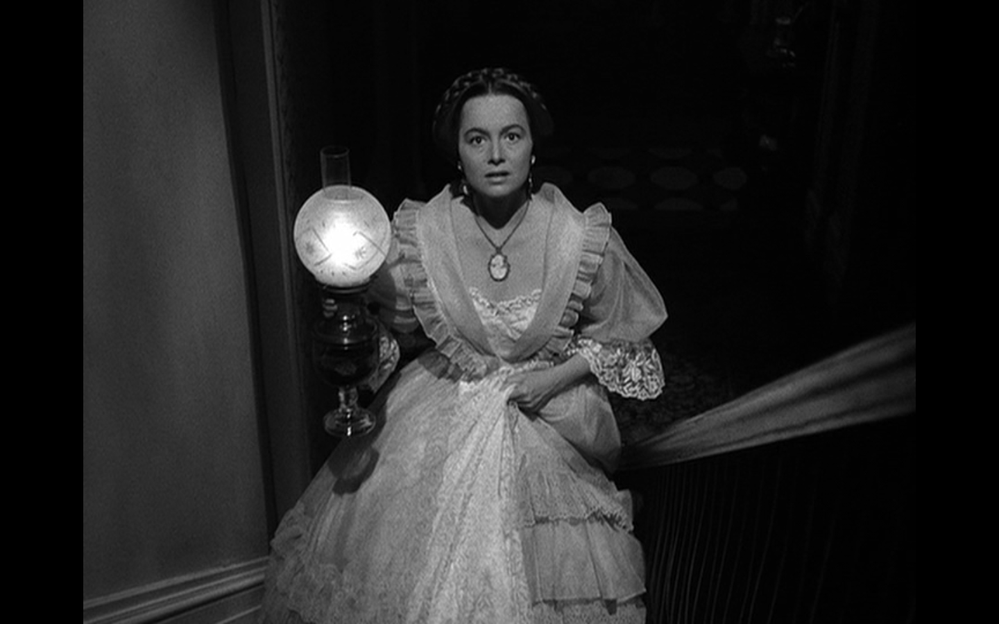 de Havilland as Catherine Sloper:  The harassed heiress.