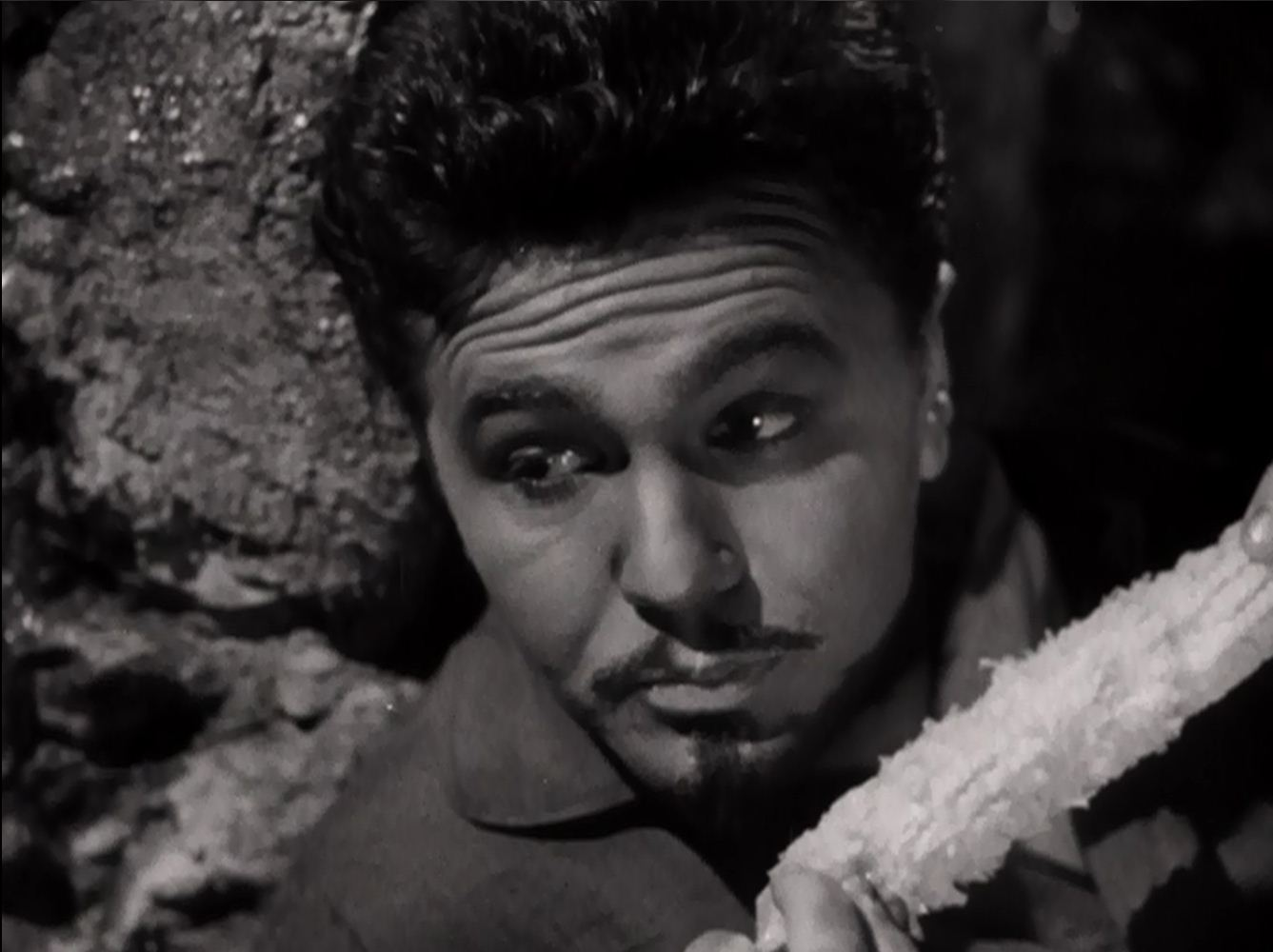 Oh, for corn sake, Porfirio! John Garfield as General Dìaz.